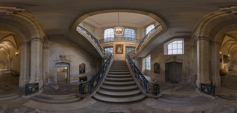 360_Musee_Saint_Remi_escalier_monumental